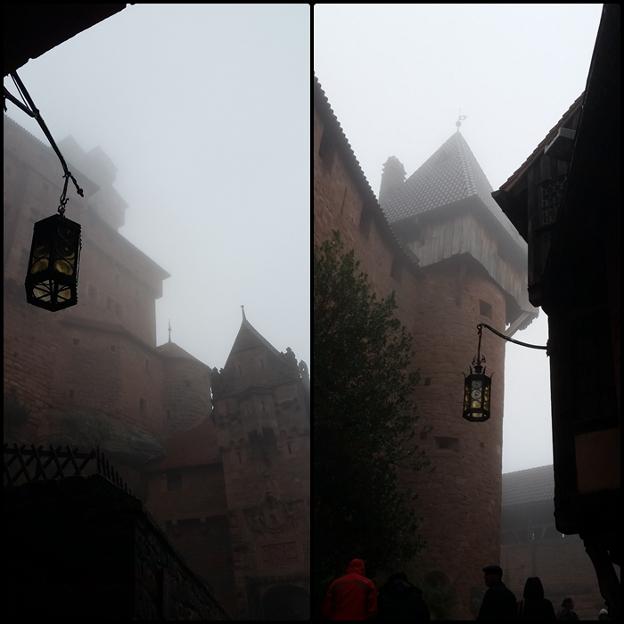 Ambiance surréaliste à l'entrée du Château du Haut Koenigsbourg